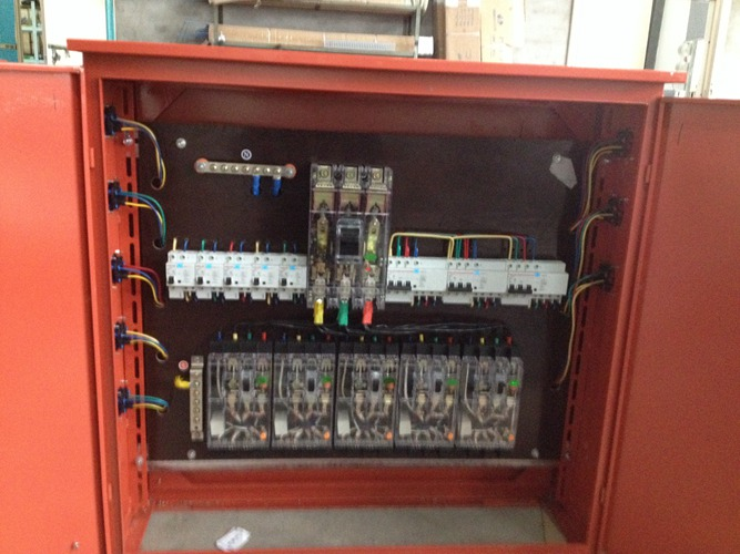 污水泵配电柜指示灯接线方法